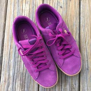 Brand new purple suede pumas !!!!